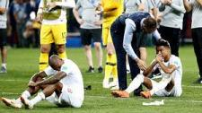 Đội tuyển Anh: Nước mắt tuôn rơi