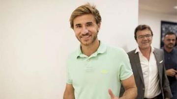 'Busquets đệ nhị' gia nhập đội bóng của Iniesta, David Villa