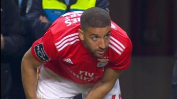 Adel Taarabt lần đầu đá cho Benfica sau... 4 năm ký hợp đồng