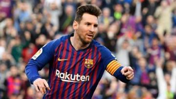 Messi ghi bàn cùng 1 kiểu, trước cùng một đối thủ sau 2 năm