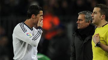 Ronaldo được ví như 'siêu nhân', từng suýt bị Mourinho giết chết